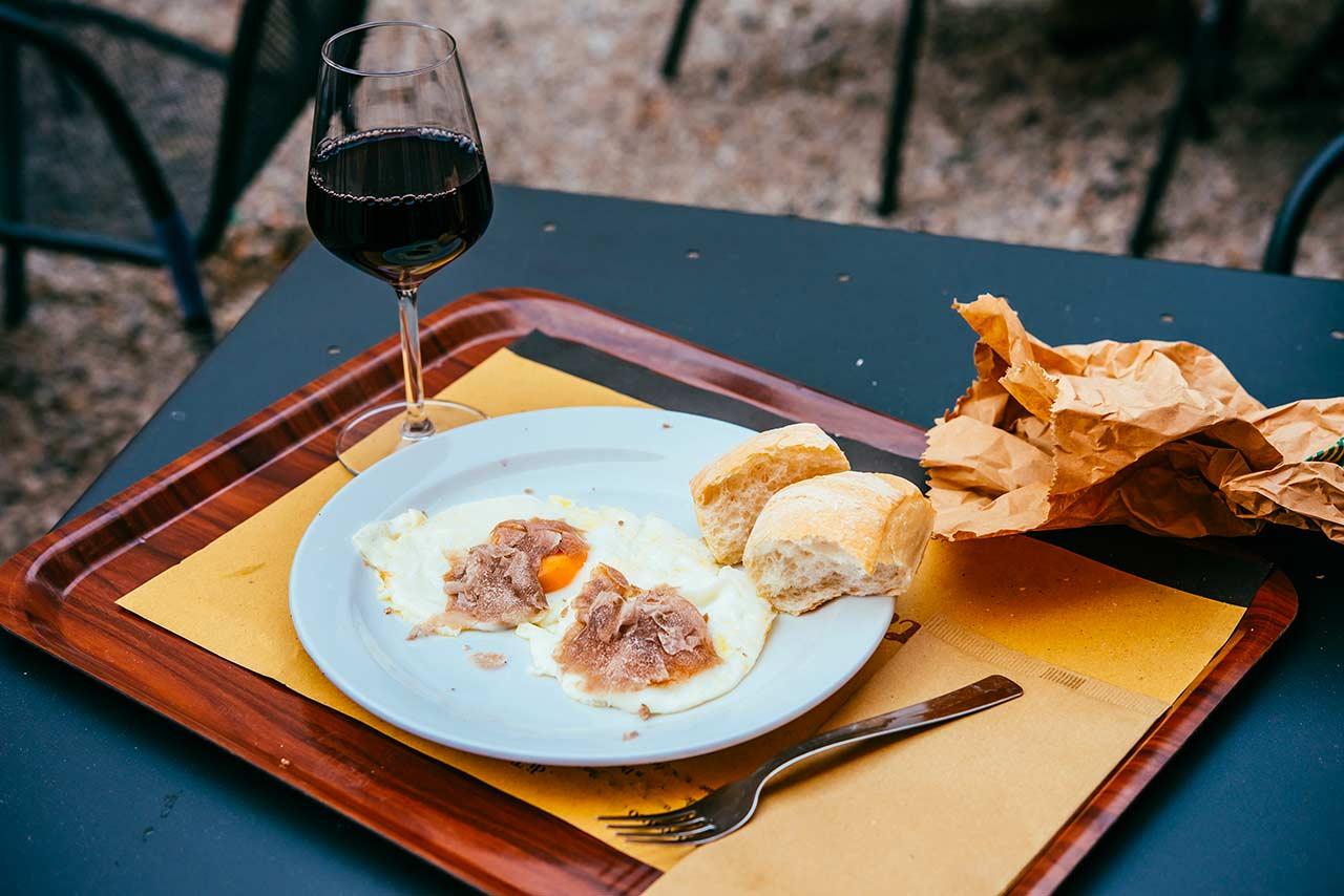 Abbinamento tartufo e vino: una mini-guida per non sbagliare